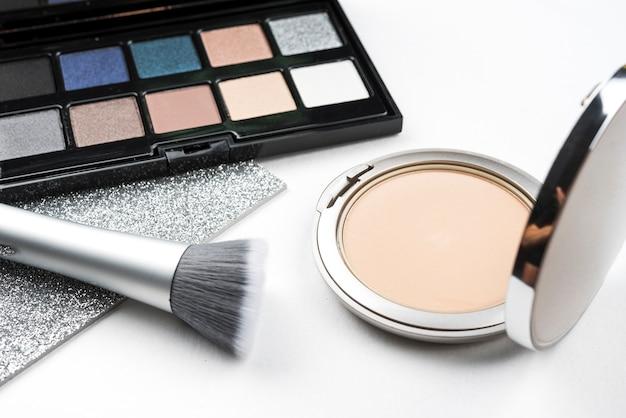 Maquillage produit en gros plan