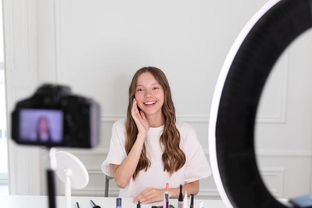 Maquilleuse indépendante en streaming youtube