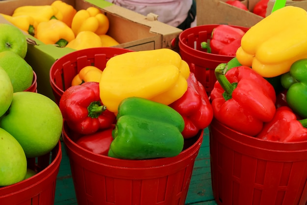 Marché aux légumes au poivre du marché