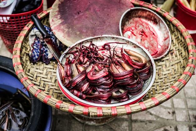 Marché aux poissons au vietnam