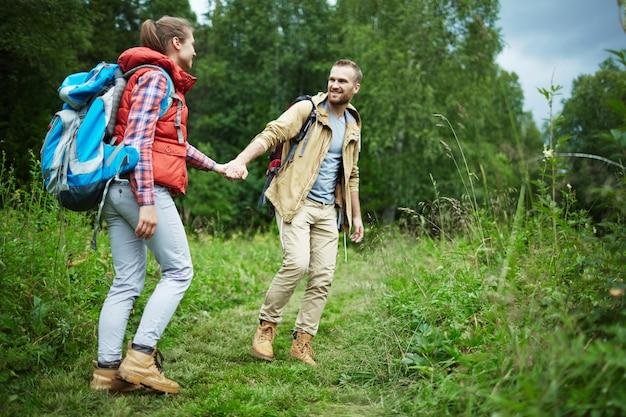Marcher sur l'herbe