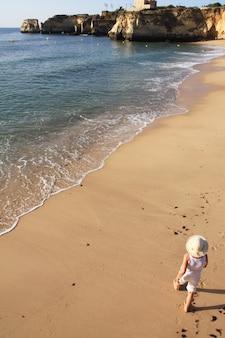 Marcher sur le rivage