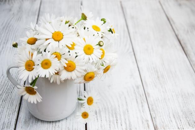 Marguerites dans un vase