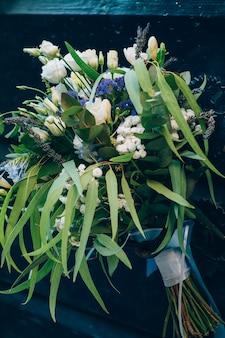 Mariage bouquet de mariée de roses lisianthus lavande gypsophila