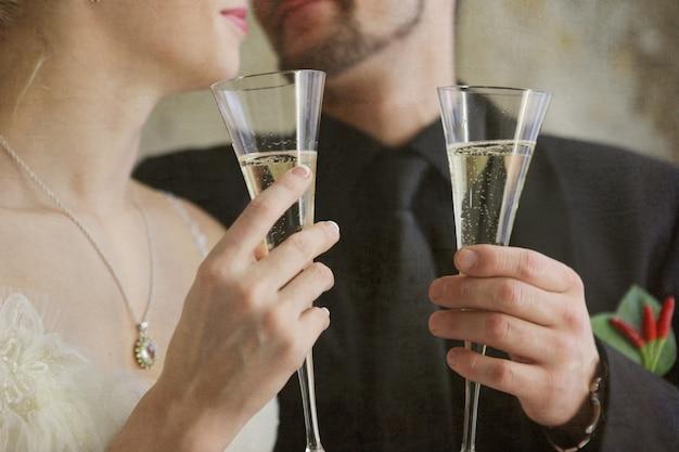 Mariée, marié, tenue, lunettes, à, champagne