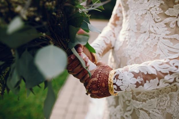 Mariée avec mehendi