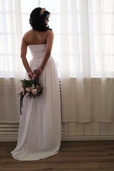 Mariée, tenue, bouquet floral