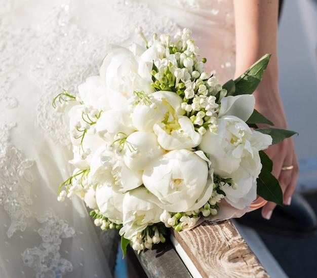 Mariée, tenue, bouquet mariage