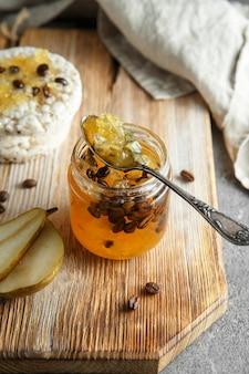 Marmelade de poire aux grains de café