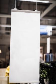 Marque élégante hangtags maquette blanc papier cadre affiches modèle modèle fond
