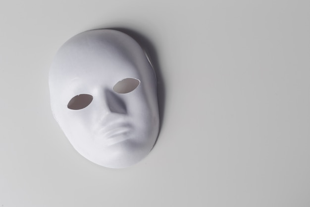 Masque blanc se bouchent