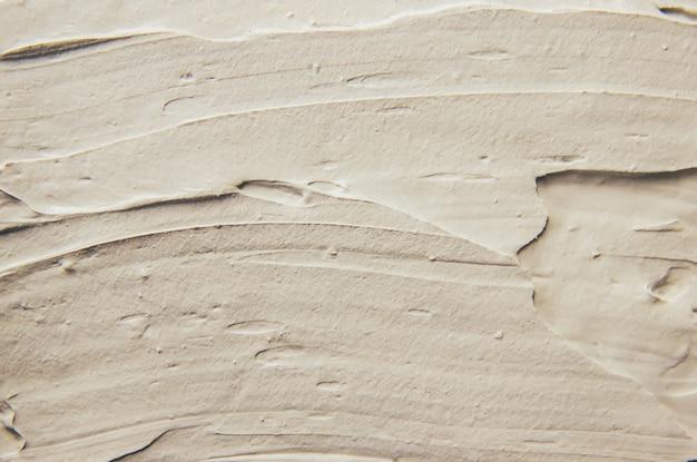Masque de boue en argile avec des minéraux de la mer morte.