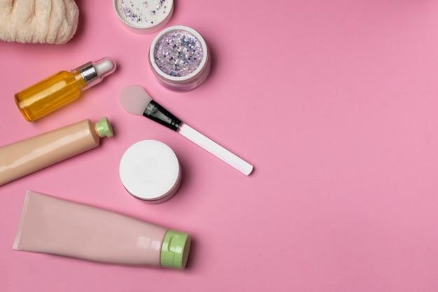 Masque, crème, sérum, spatule en silicone