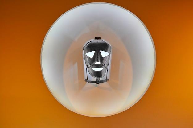 Masque de fer porté au moyen-âge pour les prisonniers. inquisition