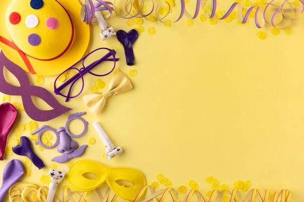 Masque de parade et accessoires et lunettes de lecture