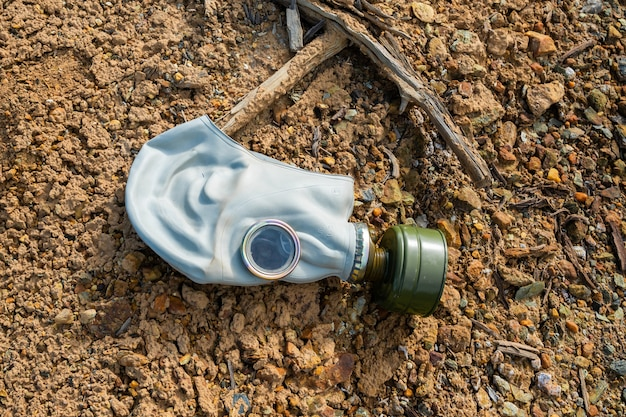 Masque de protection au sol