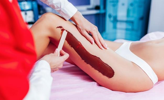 Masque spa au chocolat pour les jambes traitement de luxe