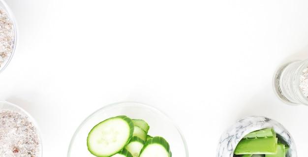 Masques faciaux au concombre et à l'aloe vera