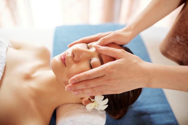 Massage du visage professionnel