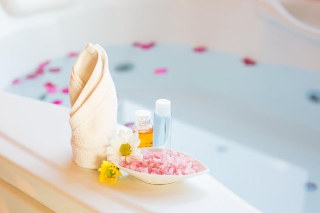 Massage spa compresser balles, balle aux herbes et traitements spa