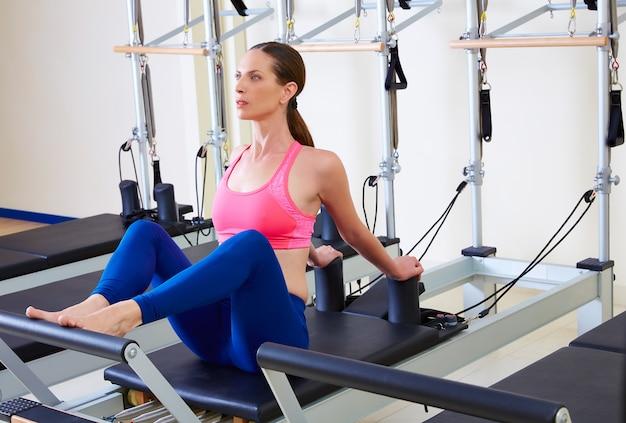 Massage ventre femme reformer pilates