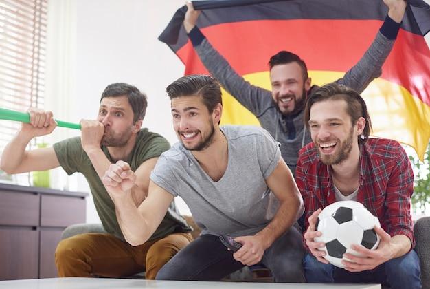 Match très excitant uniquement avec les meilleurs amis