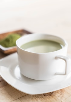 Matcha latte chaud