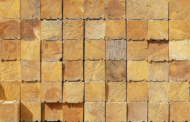 Matériau de surface texturé, extrémités en bois de conifères calibrés