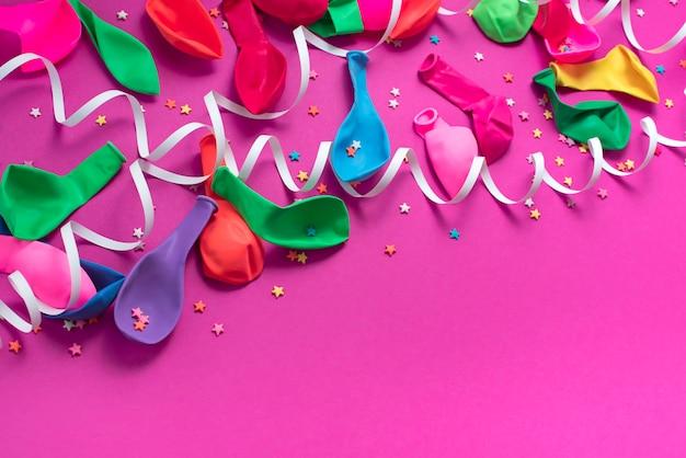Matériaux de composition décorative de fond de fête pour la célébration et la décoration.
