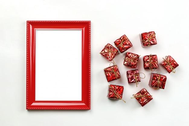 Matériel de décoration de noël et cadre photo.