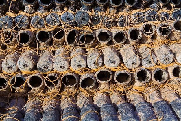 Matériel de pêche de javea octopus empilé dans le port d'alicante