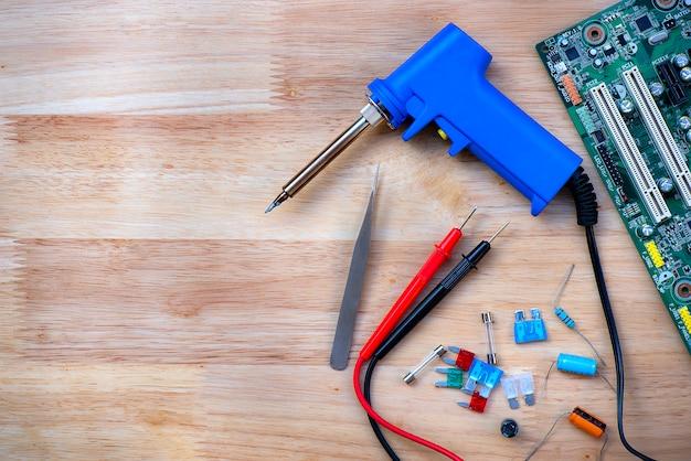 Matériel de réparation de pièces de rechange pour travaux électroniques