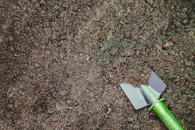 Matériel de terre et de jardinage. jardin. mise au point sélective.