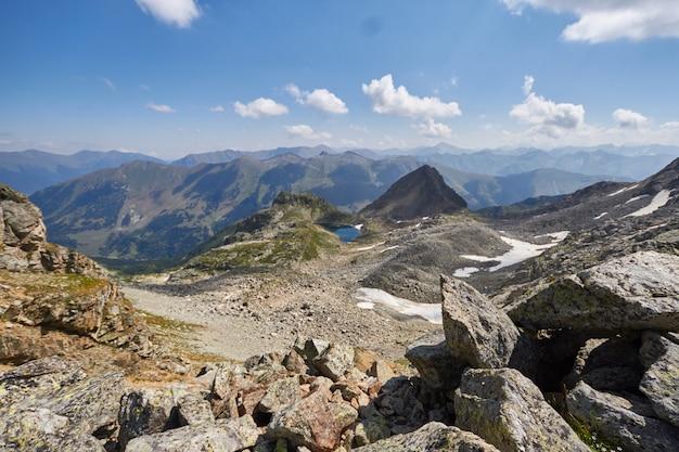 Matin à la montagne, un paysage fabuleux