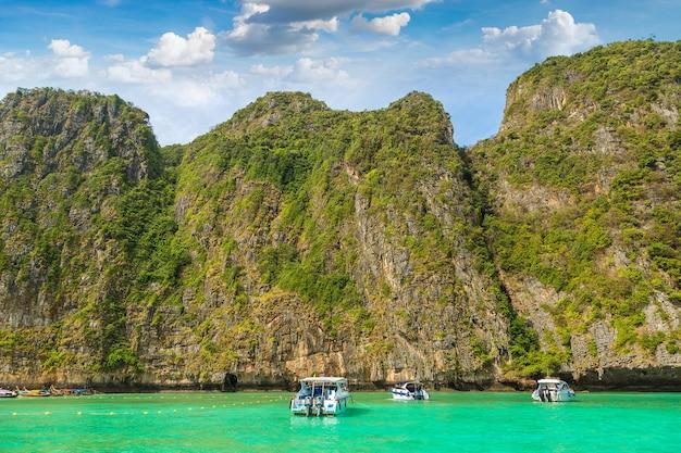 Maya bay sur l'île de koh phi phi leh thaïlande