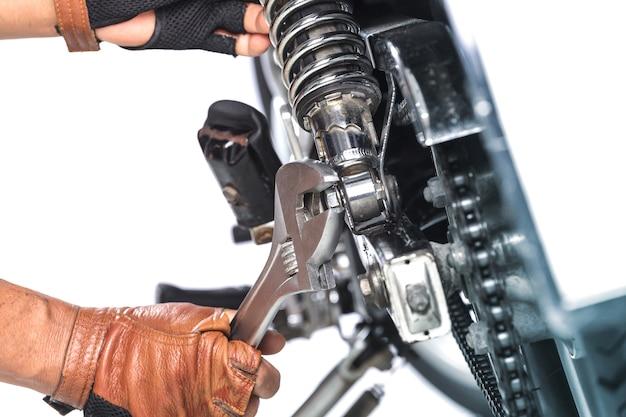 Mécanicien de motocyclettes, technicien