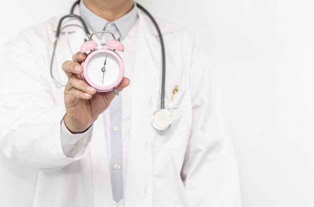 Un médecin qui peut guérir votre maladie, concept de soins de santé