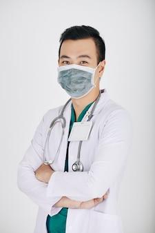 Médecin vietnamien positif