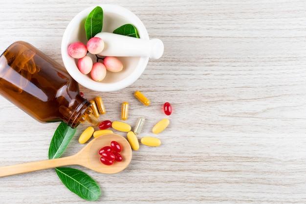 Médecine alternative, vitamines et suppléments à base d'herbes naturelles