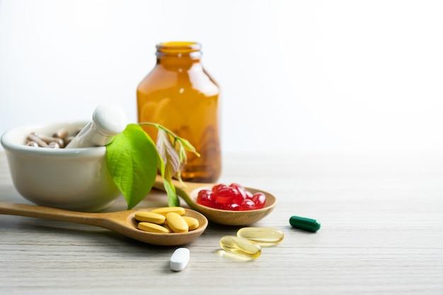 Médecine alternative, vitamines et suppléments d'herbes naturelles