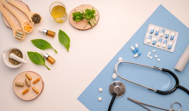 Médecine à base de plantes et objets de médecine moderne