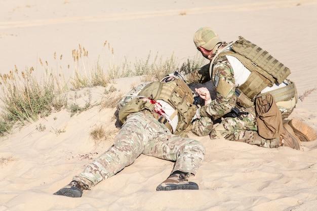 Médecine de champ de bataille dans le désert