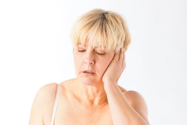 Médecine et maladie - maux de tête ou migraine