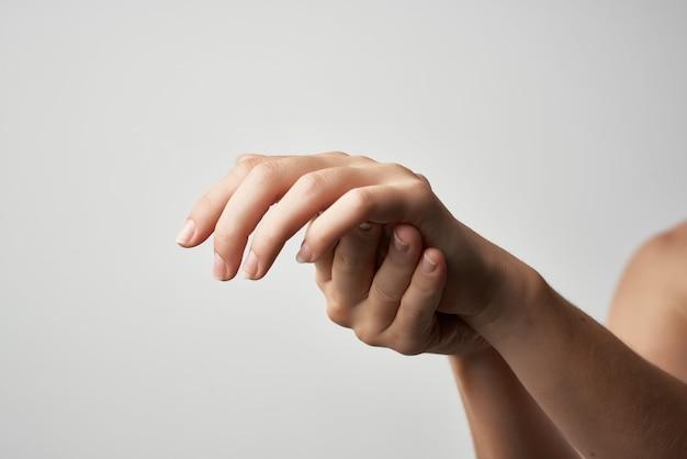 Médecine de traitement des problèmes de santé de l'arthrite à la main