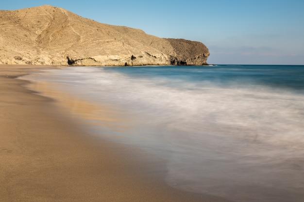 Media luna beach