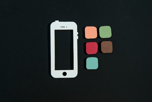 Médias sociaux nature morte avec cadre de téléphone