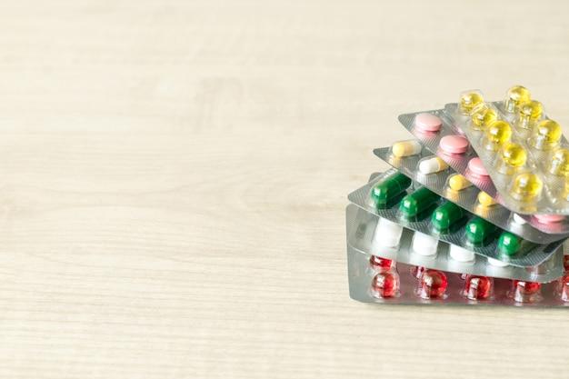 Médicaments antibiotiques pilules capsule médecine