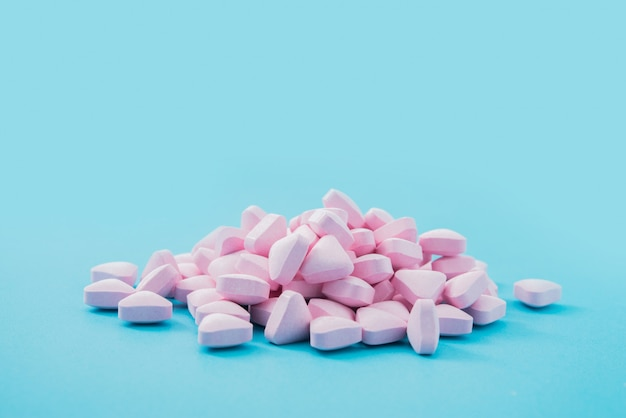 Médicaments en bleu
