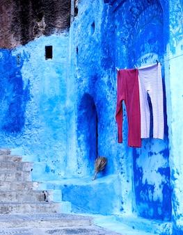 Médina bleue de la ville de chefchaouen au maroc, afrique du nord