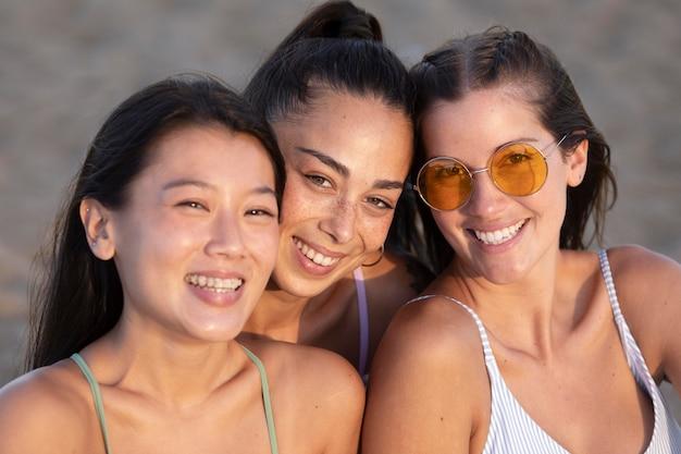 Les meilleurs amis s'amusent en été